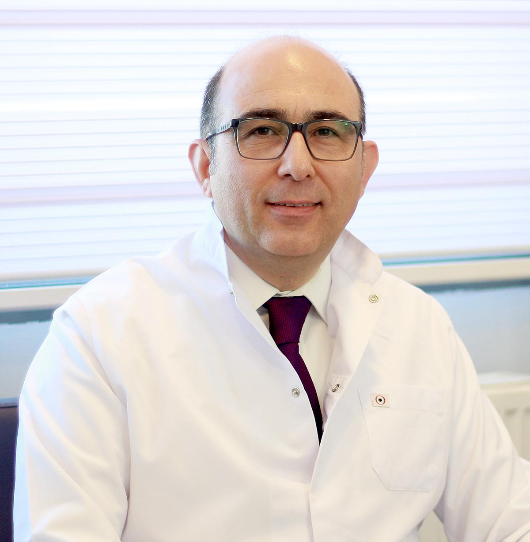 Beyin, Omurilik ve Sinir Cerrahisi Uzmanı Doç. Dr. Tuncay Kaner